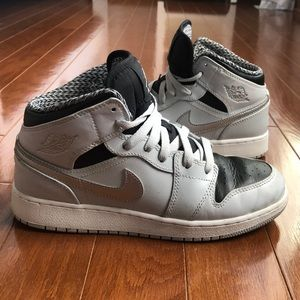 Nike Air Jordan Retro High Top - Sz 5.5